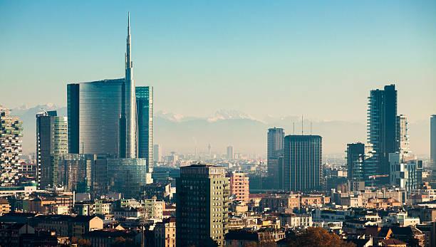 grattacieli di milano - milano foto e immagini stock