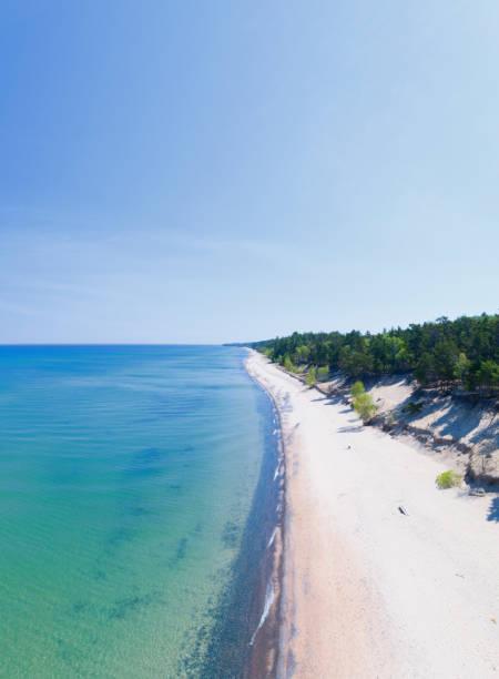 12 mile beach, obere halbinsel, michigan - lake michigan strände stock-fotos und bilder
