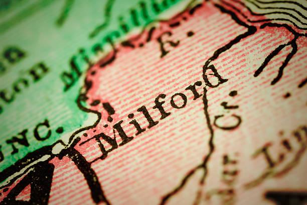 milford, delaware auf einer alten karte - karten de stock-fotos und bilder
