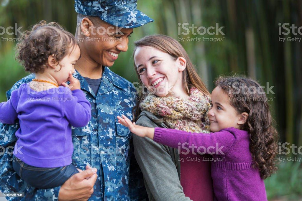 US-Soldat mit Familie – Foto