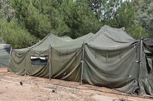 Military Tent — стоковые фотографии и другие картинки Армия
