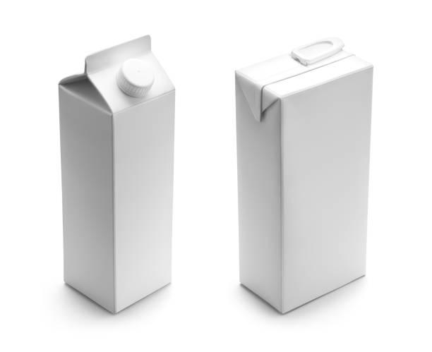 Carton blanc de lait ou de jus isolé sur le fond blanc - Photo
