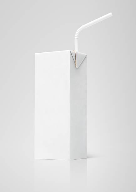 Jus de lait ou blanc Formule avec paille carton - Photo