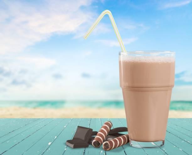 milch. - kaffee protein shakes stock-fotos und bilder