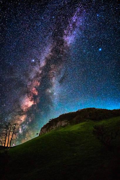 仙丈ヶ岳の上の天の川 - 七夕の写真 ストックフォトと画像