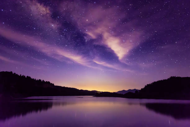 milky way and starry sky scene, south china - stars imagens e fotografias de stock