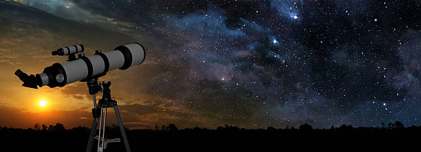 milchstraße und teleskop in den vordergrund - erforschung des weltalls stock-fotos und bilder