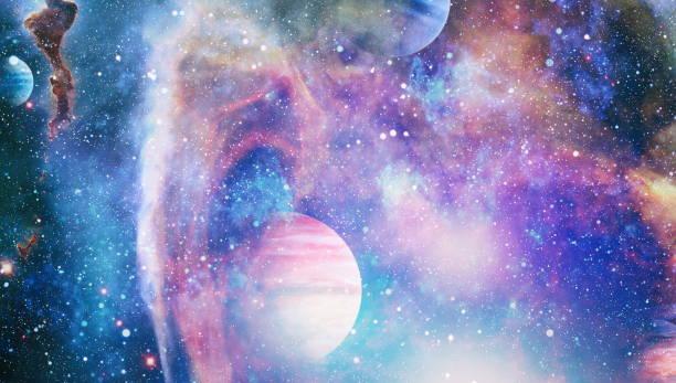 Yıldız ve uzay ile Samanyolu galaksisi. Yeni büyük panoramik derin uzaya bakıyor. Karanlık gece gökyüzü yıldızlarla dolu. Uzaytaki Nebula. Derin alan sırları. NASA tarafından döşenmiş bu görüntünün elemanları. stok fotoğrafı