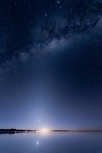 天の川 、日の出やベヌスます。 - 七夕の写真 ストックフォトと画像