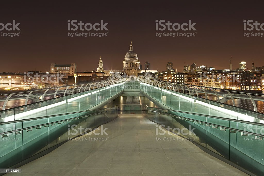 Millenium Bridge and St. Paul's at night (XXXL) stock photo