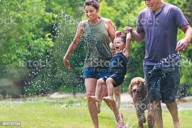 Millennial parents picture id803732134?b=1&k=6&m=803732134&s=612x612&h=6 dknghgp jcadefbbfrgb0b2qwyhiapdwq4 h3hhlc=