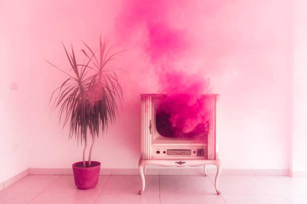 millennial pink - surrealistyczny zdjęcia i obrazy z banku zdjęć