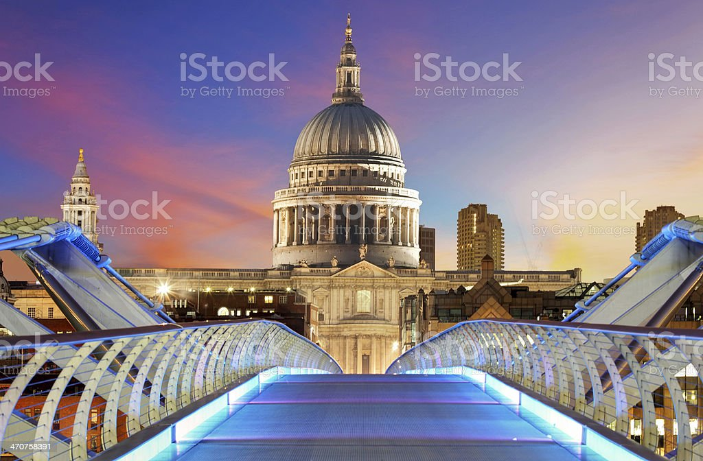 Millennium Bridge leads to Saint Paul's Cathedral in London stock photo