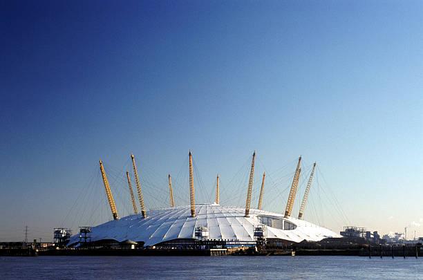 millennium dome - kubbe stok fotoğraflar ve resimler