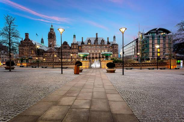 millennium square, sheffield, uk - sheffield stock-fotos und bilder
