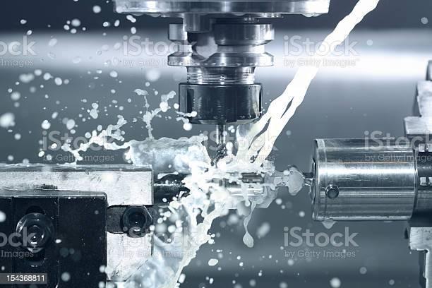 Cnc Walken Bei Der Arbeit Stockfoto und mehr Bilder von CNC-Maschine