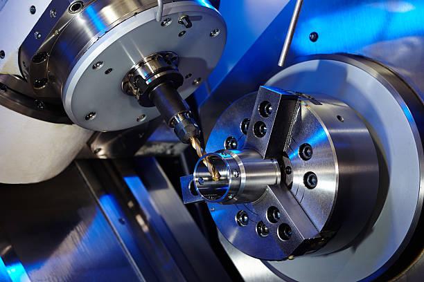 milling machine - cnc machine stockfoto's en -beelden