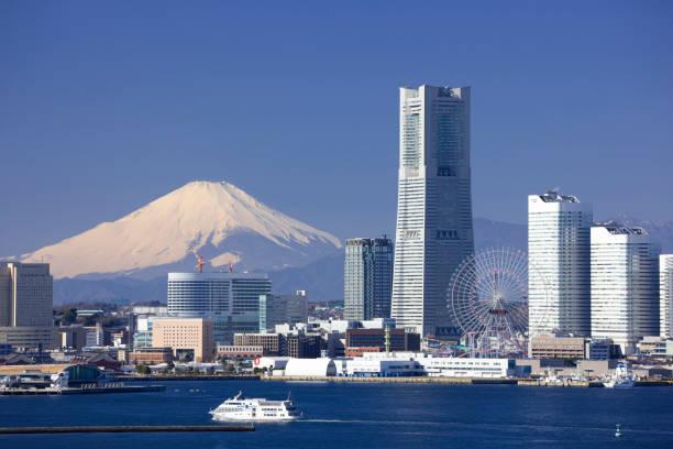 minato mirai 21 buildings and mt fuji - prefektura kanagawa zdjęcia i obrazy z banku zdjęć