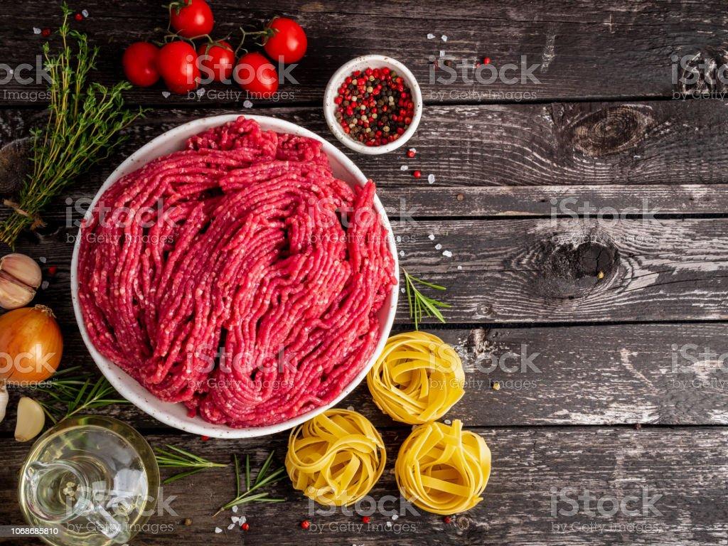 Grau hackfleisch ist Hackfleisch ist