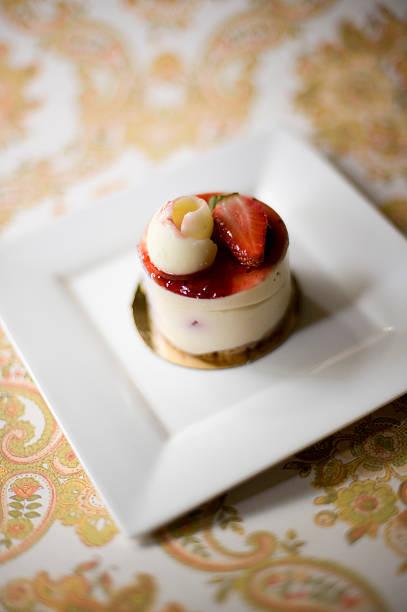 mini-kuchen - paisley kuchen stock-fotos und bilder