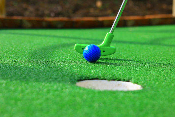 mini golf - golf sommar skugga bildbanksfoton och bilder