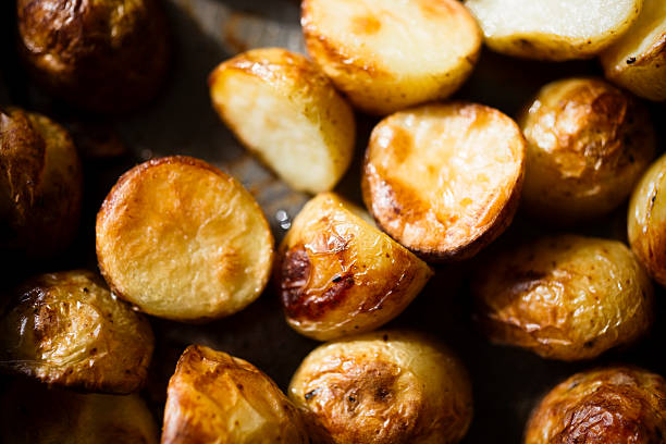 Mini batatas assada - foto de acervo