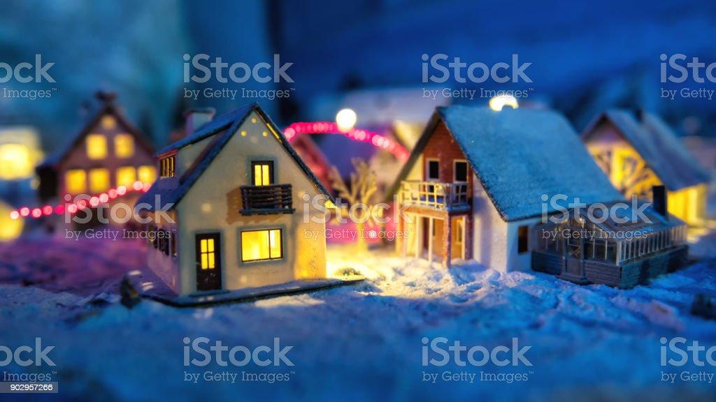 Miniatur-Haus-Dorf und im Winter Schnee – Foto