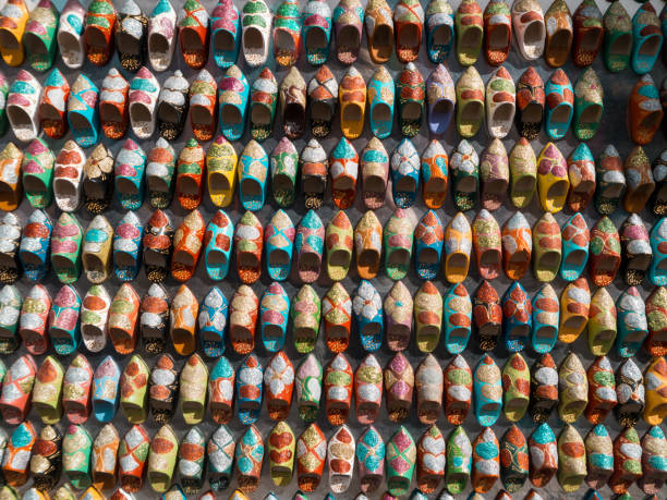 Miniatur Schuhe auf einem marokkanischen Markt – Foto