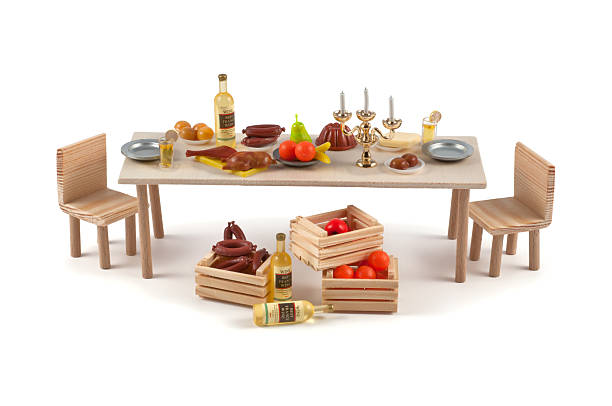 miniatur-tisch mit einer vielzahl von speisen - obst kalorien stock-fotos und bilder