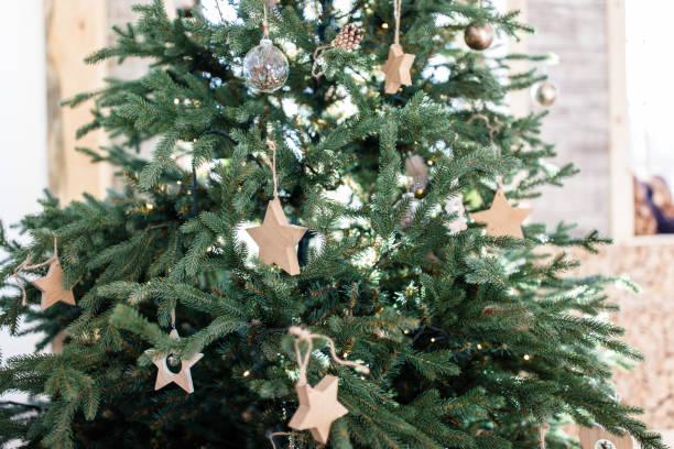 Minimalismus Weihnachtsbaum im skandinavischen Stil – Foto