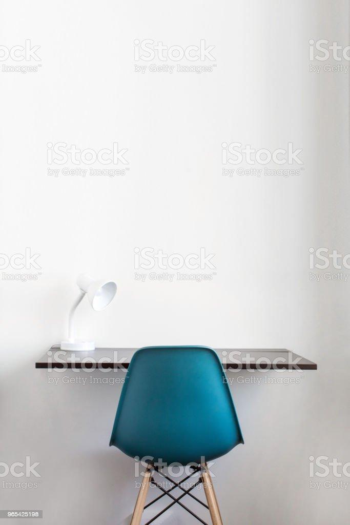 Minimalistische Einrichtung des Arbeitsplatzes - Lizenzfrei Arbeitsstätten Stock-Foto