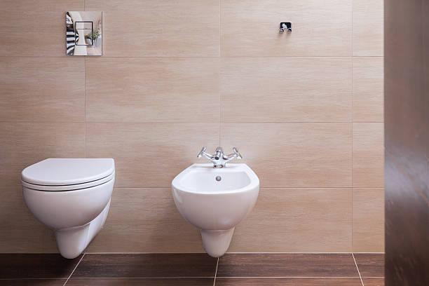 modernes haus in minimalistischen toilette - badezimmer new york style stock-fotos und bilder