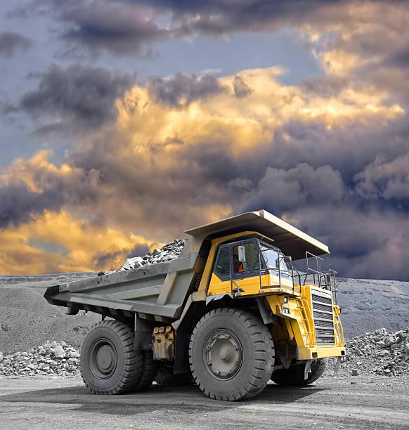 mining truck - 重的 個照片及圖片檔