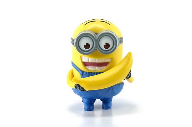 minion dave banana timalie spielzeug - minion thema stock-fotos und bilder