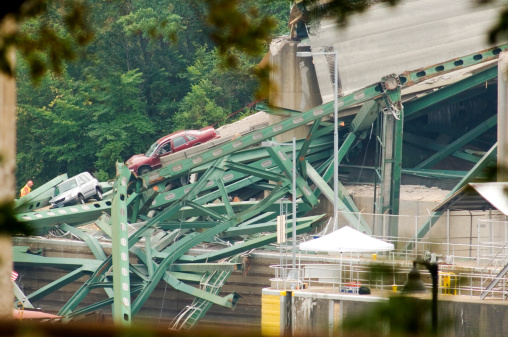 Minneapolis Bridge Collapse Stock Photo - Download Image Now
