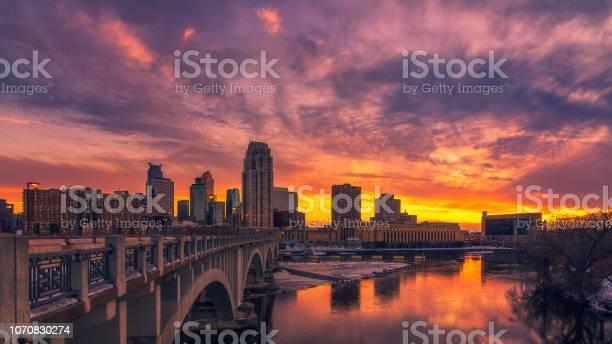 minneapolis skyline at sunset
