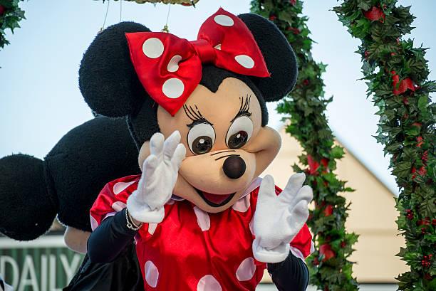 Minnie mouse at a hamner springs christmas parade picture id468628889?b=1&k=6&m=468628889&s=612x612&w=0&h=3adwwofc0gxudlsmoodx4cyq9ydn5r9u8rldq49s6fg=