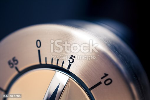 1048940572 istock photo 5 Minutes - Close-Up Of An Analog Chrome Kitchen Timer With Dark Background 1001817754