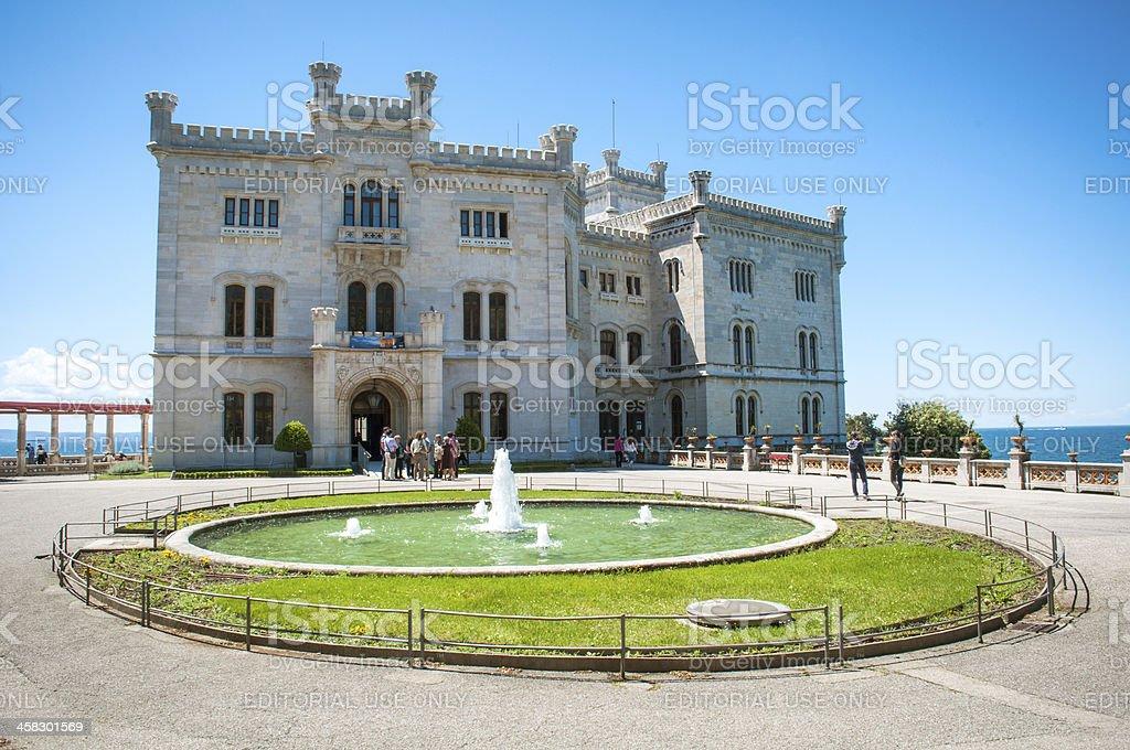 Miramare 城 - イタリアのロイヤリティフリーストックフォト