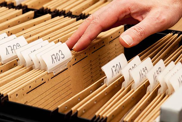 fehlende dokumente in archiv - hajohoos stock-fotos und bilder