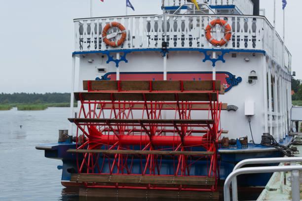 mississippi-schaufelraddampfer baltic star - prerow stock-fotos und bilder