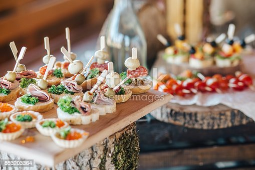 istock Misted decanter of vodka and traditional Ukrainian snack 883203364