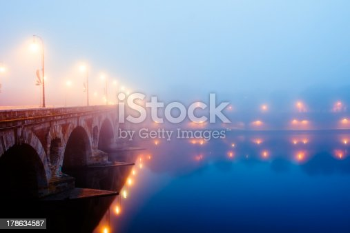 istock Misty morning in Toulouse, France 178634587