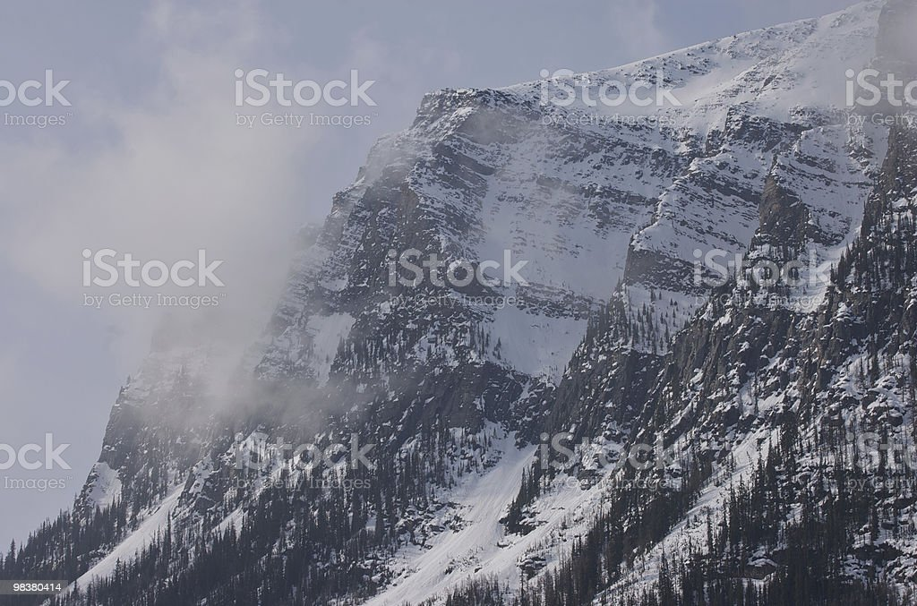 Montagna nebbioso foto stock royalty-free