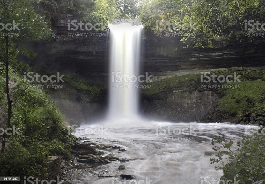 Misty cascata foto stock royalty-free