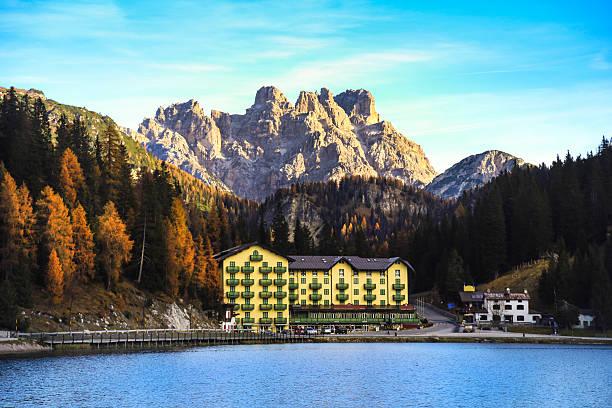 misurina  - hotel in den bergen stock-fotos und bilder