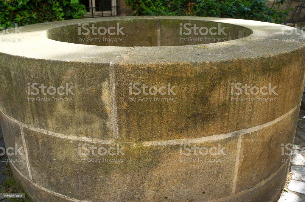 Mittelalterlicher Brunnen royalty-free stock photo