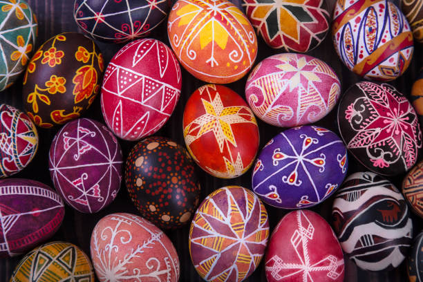 mix of easter eggs with the traditional designs. - ukrayna stok fotoğraflar ve resimler