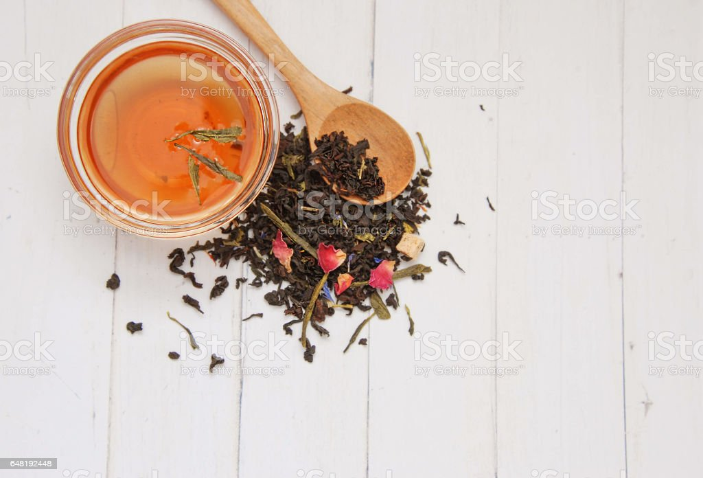 Mix of green and black tea - foto stock