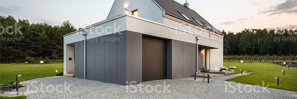 Mischen Aus Moderner Architektur Und Natur Lizenzfreies Stock Foto